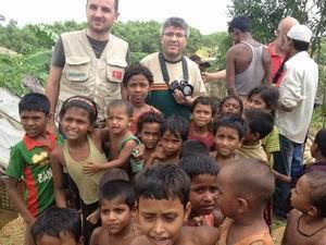 İHH Ekipleri Arakan Mülteci Kamplarında
