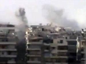 Esedin Tankları Halepi Bombalıyor! (VİDEO)