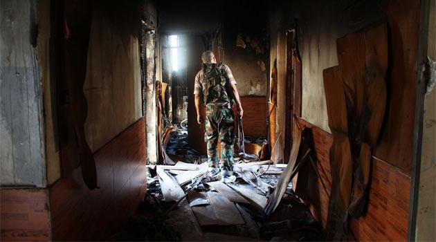 Halepte Evlerin Perdeleri Örtülü, Kapılar Kilitli