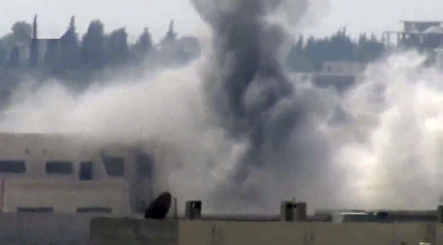 Azaz Kasabası Savaş Uçaklarıyla Vuruldu