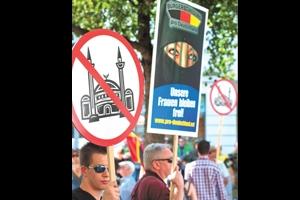 Alman Irkçılar Camilere Karşı
