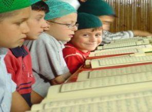 Diyanet'ten Diyarbakırlı Çocuklara Hediye Kur'an-ı Kerim