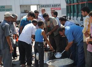 İHH'dan Suriye'ye 150 Ton Yardım Malzemesi