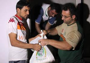 İHH Halep'e Yardım Ulaştırdı (FOTO)