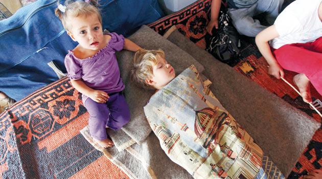 Son Bir Ayda 100 Bin Suriyeli Ülkeden Kaçtı