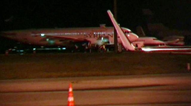 Suriyeye Giden Uçak Esenboğaya İndirildi