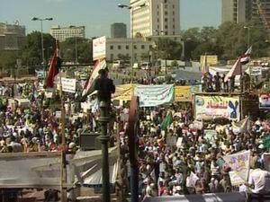 """Mısırlılar Tahrir'de Yürüdü: """"Şeriat İstiyoruz!"""""""