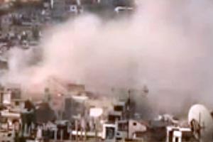 Esed Güçleri Halka Bomba Yağdırıyor