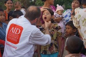 AID Arakan'a Sağlık Yardımı Ulaştırdı