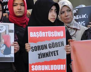 İzmirde Yeni Yönetmelik Protesto Edildi
