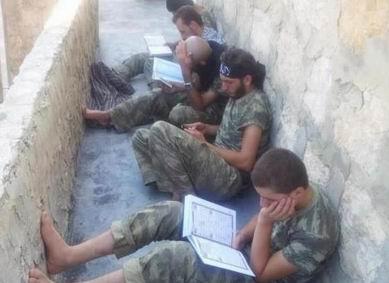 Suriyeli Direnişçilerin Duası (VİDEO)