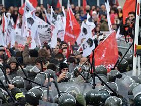 Silivri'de Ulusalcılar Mahkemeyi Basmaya Kalktı!
