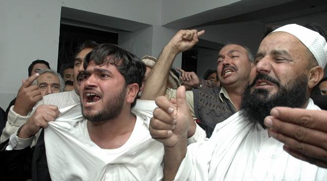 Pakistanda Bakan Bombalı Saldırıda Öldü