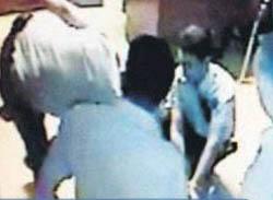 Vatandaşa Karakolda Polis Dayağı