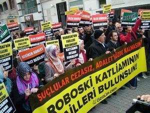 Roboski Katliamı Fatih'te Protesto Edildi