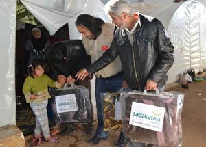 Kampanyanın İlk Yardımları Suriyede Dağıtıldı