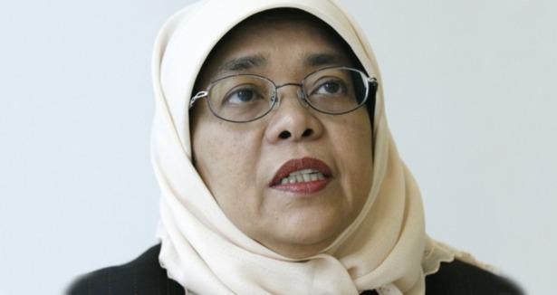 Singapur Meclisine Başörtülü Başkan Seçildi
