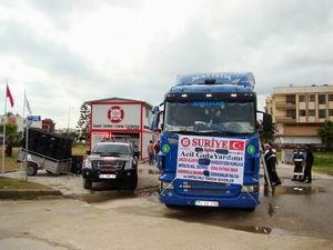 Antalya'dan Suriye'ye Kuru ve Yaş Gıda Yardımı