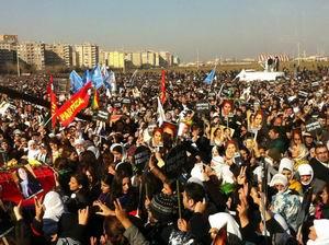 Diyarbakır'daki Cenaze Töreninde Sağduyu