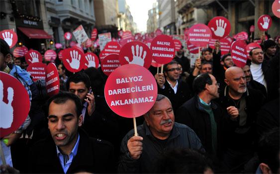 Taksimde Balyozcular Aklanamaz Eylemi