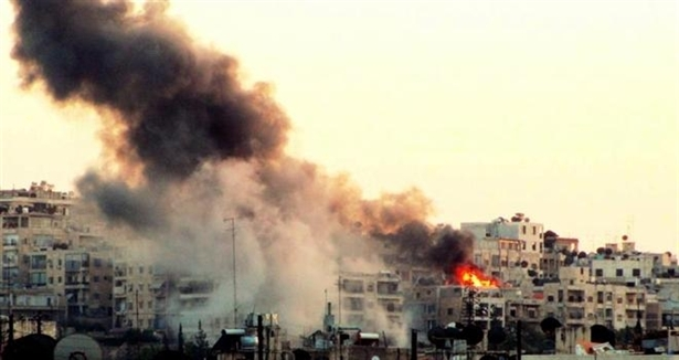 Suriyeli Pilot Esed Güçlerini Bombaladı