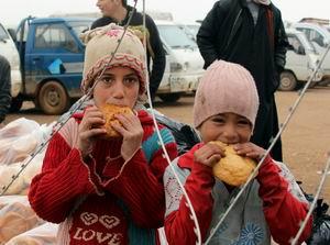 Ekmekleri Çadırlarına Götürmeden Yediler