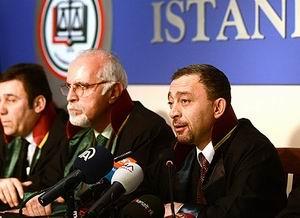 """İstanbul Barosu'na """"Başörtüsü"""" Davası"""