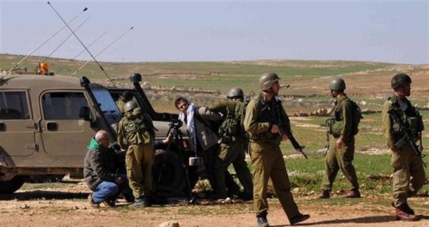 İsrail Askerleri Engelli Filistinliyi Ağır Yaraladı