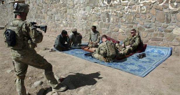 ABDliler Afganistanda Uyuşturucu Kaçırıyor