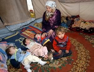 Suriyeli Üçüzler Süt Bekliyor
