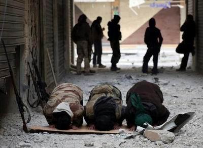 Halep'teki Kilit Havaalanı Direnişçilerin Elinde