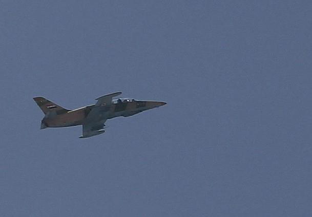 Direnişçiler 2 Savaş Uçağı Düşürdü (Video)