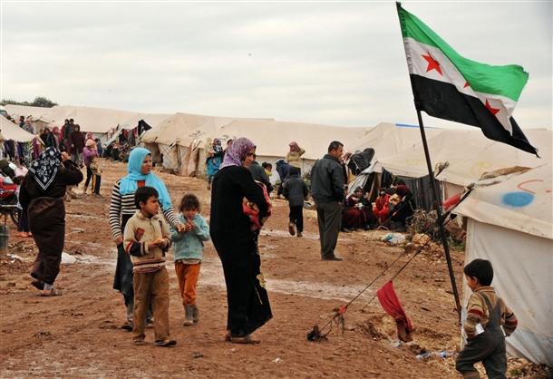 Sınırda Bekleyen 10 Bin Masum Çocuk (FOTO)