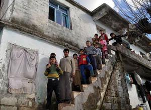 45 Suriyeli Hatayda 3 Odalı Evde Kalıyor
