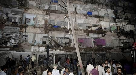 Pakistan'da Art Arda Patlamalar: 45 Ölü