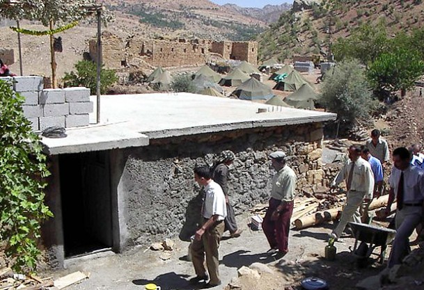 10 Bin Aile Köyüne Geri Dönmek İstiyor