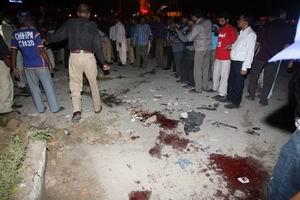 Pakistanda Art Arda Patlamalar: 10 Ölü