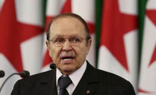 Cezayir'de Başkanlık Seçimine 12 Aday