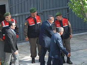 Mehmet Ağar Tahliye Edildi