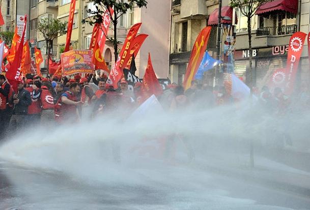 Taksimde 1 Mayıs Gösterilerinde Olaylar Çıktı!