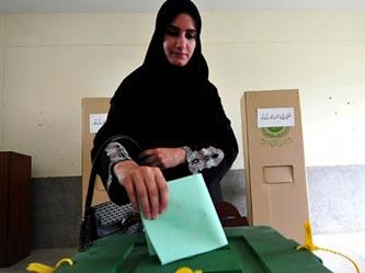 Pakistandaki Seçimlerde Bombalar Konuştu