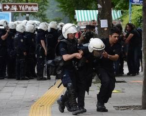 Esed'in İşbirlikçileri Ankara'da Polisle Çatıştı