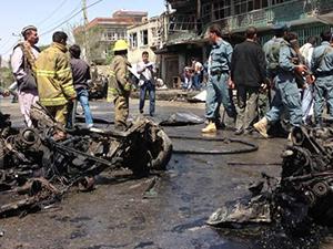 NATO Konvoyuna Saldırı: 16 Ölü...
