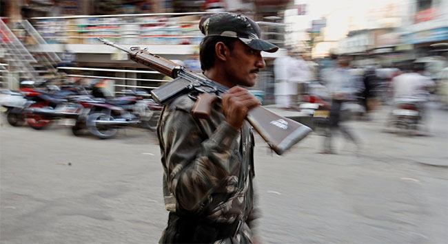 Hindistanda Konvoya Kanlı Saldırı