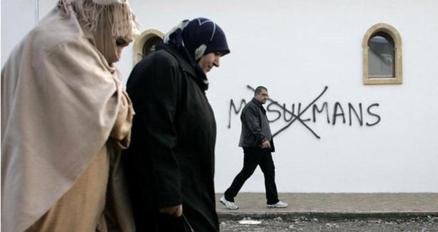 Fransada Müslümanlara Saldırı