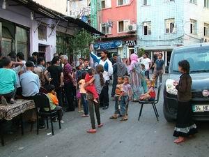 İmkander İstanbuldaki Suriyelilere Yardım Etti