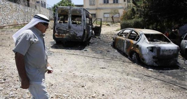 Siyonistler Filistinlilerin Araçlarını Yaktı