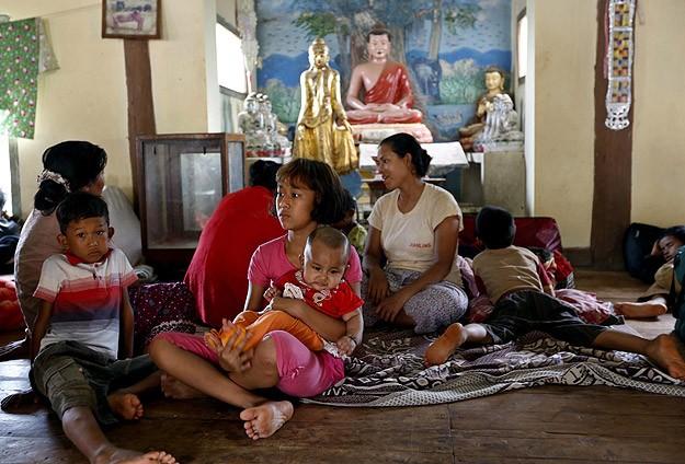 1200 Müslüman Budist Tapınağında Kalıyor