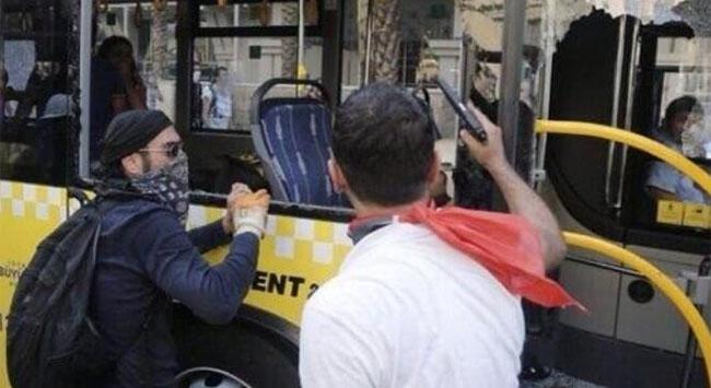 Taksimde Eli Silahlı Gösterici...