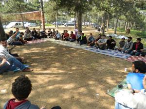 Özgür-Der Gençliği Piknik Düzenledi